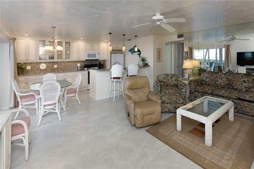 Unit F3 Sanibel Arms West
